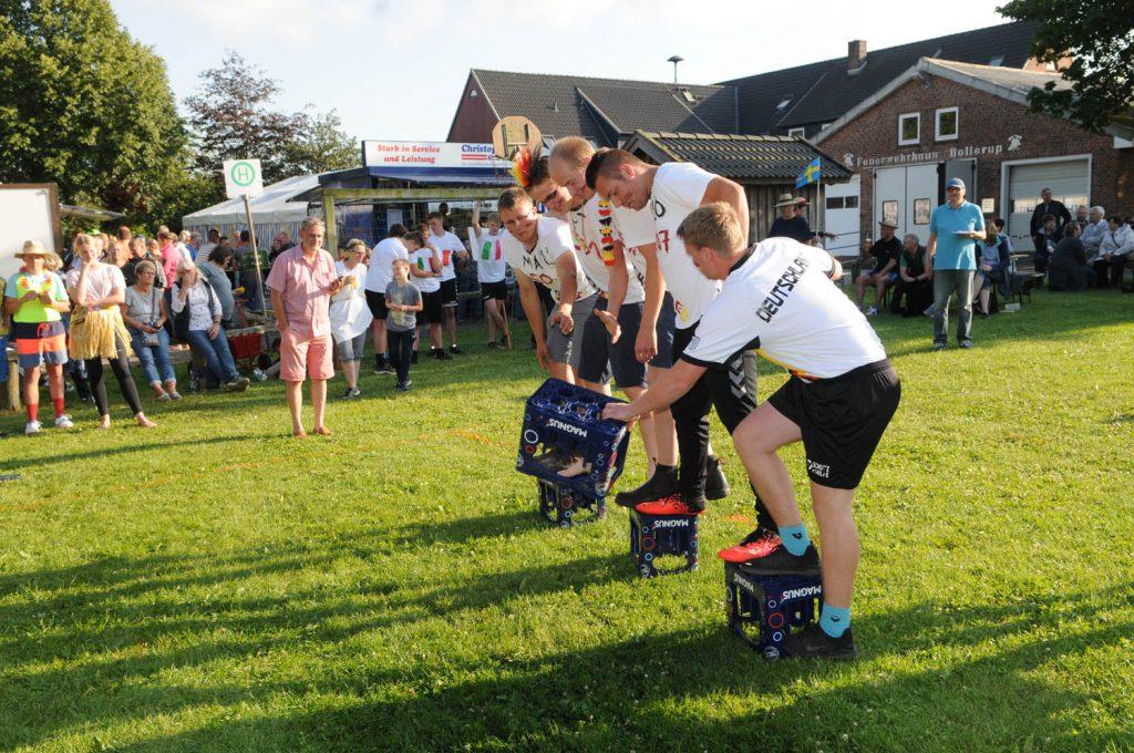 Team-Spiele auf dem Dorffest Dollerup